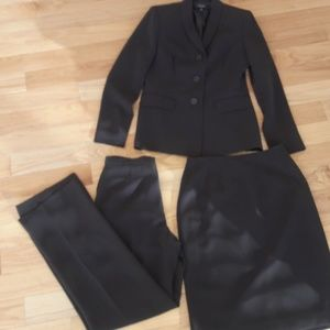 Kasper  Classics three piece suit